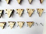Vlaggenlijn hout gegraveerde letters
