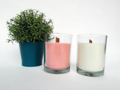 Grote kaars in glazen pot